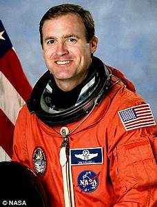 Ex-astronaut James Halsell, Jr, charged with murder after ...