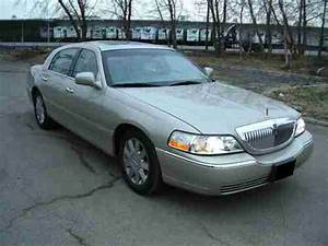 Purchase Used 2005 Lincoln Town Car Signature Limited Sedan 4