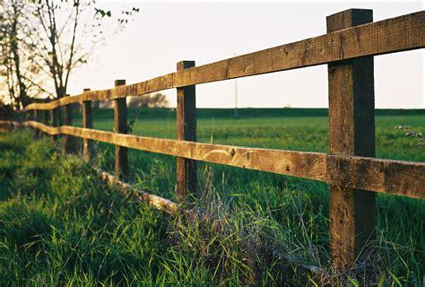 pictures of a fence file farm fence in watlington jpg