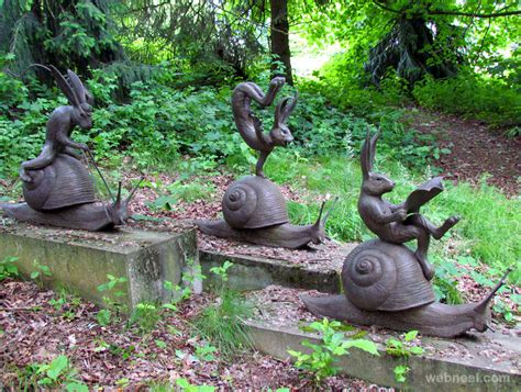Garden Art :  Amazing Sculptures And Statues From Around