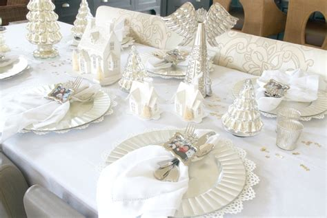 Easy White  Ee  Christmas Ee   Tablescape Just A Smidgen