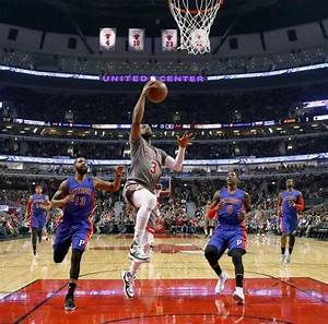 Bulls break out of slump for 113-82 rout of Pistons