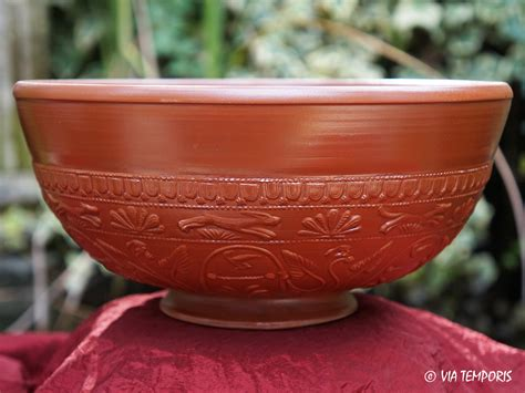 panier pour 騅ier cuisine ceramique gallo romaine bol sigillee du sud de la gaule drag 37 grand modele