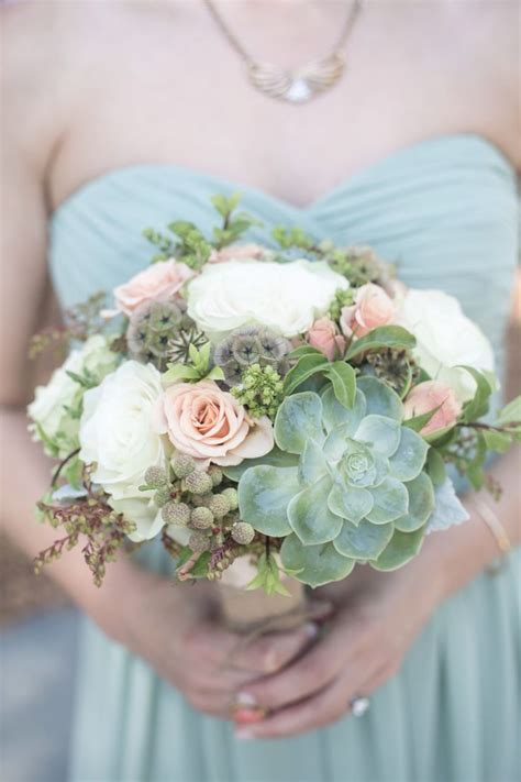 picture  adorably fresh  romantic spring wedding bouquets