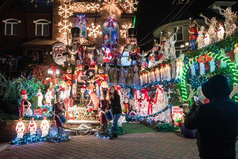 good christmas lights in the east valley 2018 dyker heights lights 2019 guide with great tours