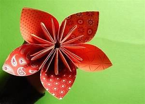 Papierblumen Aus Servietten : papierblumen basteln f r einen strauss voller bunter blumen papierblumen basteln papierblumen ~ Yasmunasinghe.com Haus und Dekorationen