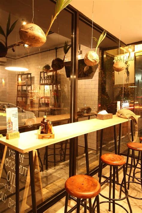 modern cat 10 desain interior cafe mini ini sangat instagrammable