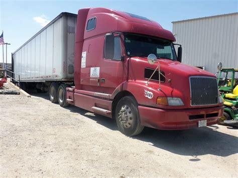 red volvo truck red volvo eighteen wheeler truck my truck pictures