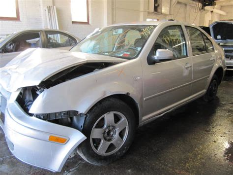 Parting Out 2001 Volkswagen Jetta