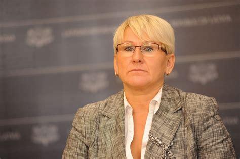 Valsts jūk prātā - VID sola rīkot kratīšanas uz Latvijas ...