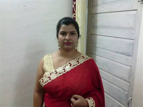 587 best about indian aunties on saree uae and