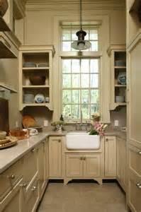 galley style kitchen remodel ideas mała kuchnia w bloku najlepsze inspiracje w sieci