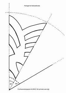 Schneeflocken Basteln Vorlagen : schaeresteipapier grosse schneeflocken aus geschenkpapier ~ Frokenaadalensverden.com Haus und Dekorationen