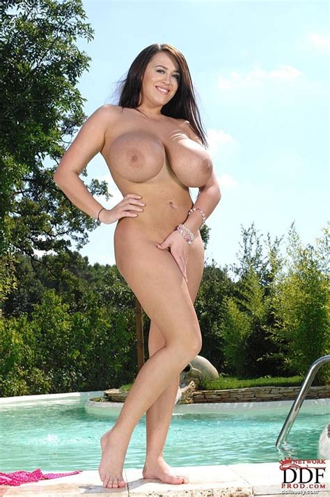 Busty Leanne Crow In The Pool In Her Bikini Boobgoddess