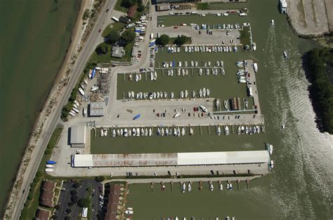 Boat Brands Starting With B by Brands Marina In Port Clinton Oh United States Marina