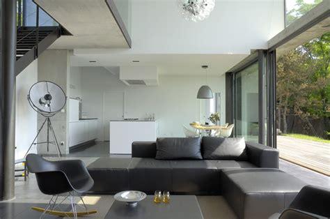 renovation cuir canapé maison biscuit de l 39 architecte minassian proche de lyon