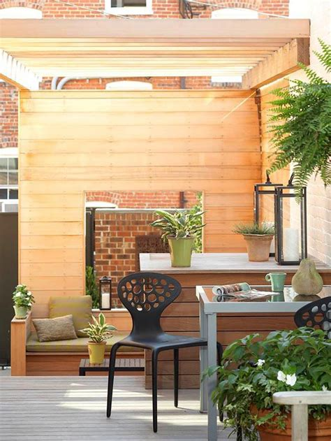 Small + Simple Outdoor Living Spaces