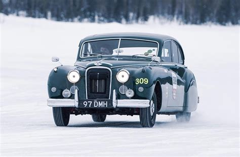 Jaguarland Rover To Offer Classic Car Ice Driving School