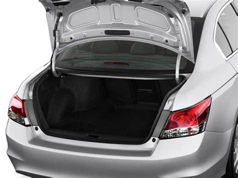 image  honda accord sedan  door  auto lx trunk