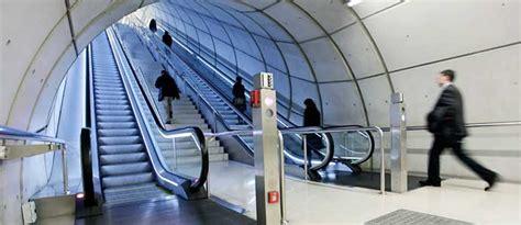Escalier Mécanique Synonyme by Escaliers M 233 Caniques Installation Dans Tous Types De