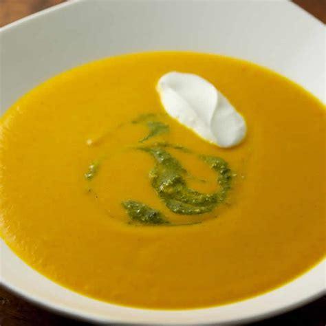 cuisiner des carottes en rondelles soupe de carottes au lait de coco au cookeo votre dîner