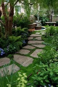 Vorgarten Gestalten Rindenmulch : vorgarten gestalten gartenweg steinplatten pflanzen b ume garten pinterest haus ~ Eleganceandgraceweddings.com Haus und Dekorationen
