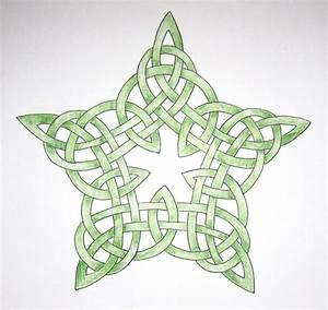 365 Days of Stargazing: 39. Celtic Knot