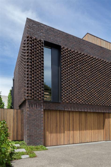 Inspirasi dinding rumah dan pagar menggunakan batu tips rumah minimalis tren desain rumah minimalis via tipsrumahminimalis.blogspot.com. 32 Inspirasi Pagar Rumah Minimalis untuk 2019