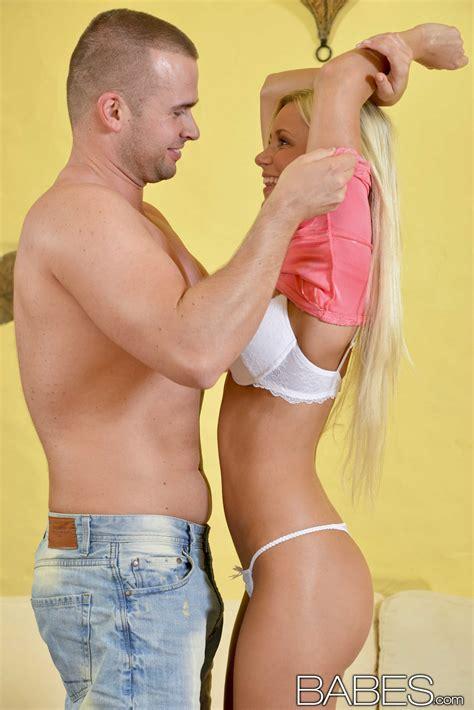 Slim Blonde Is Getting Her Pussy Ravaged Photos Lola