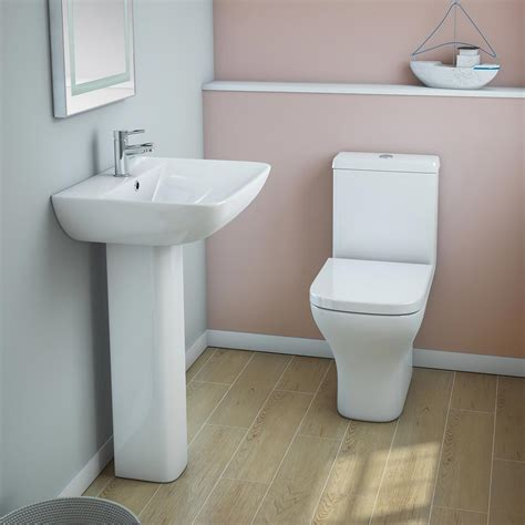 Venice Modern Toilet With Soft Close Seat Victorian