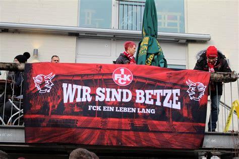 Dann würde die wertigkeit dieser geteilten zweiten liga wieder steigen, zum einen dadurch, dass da mehr regionale derbys mit hohem zuschauerzuspruch. Dritte Liga: 1. FC Kaiserslautern hat Insolvenzverfahren ...