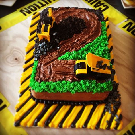 year  construction truck birthday cake   boy
