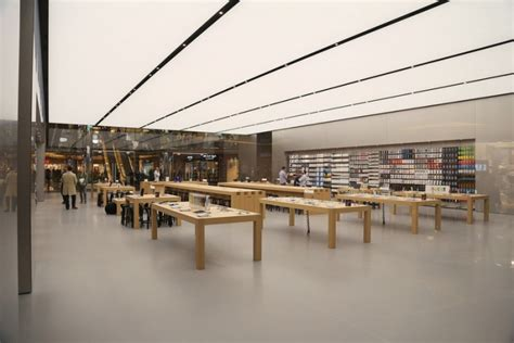 apple store  foster partners istanbul turkey