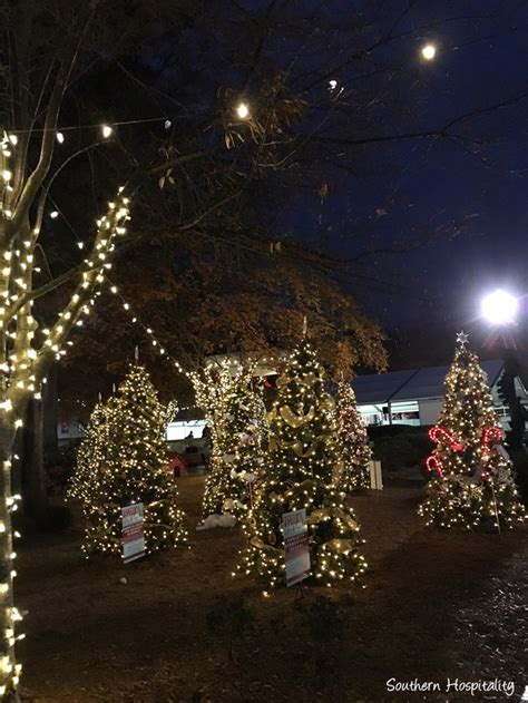 marietta square scenes of christmas southern hospitality