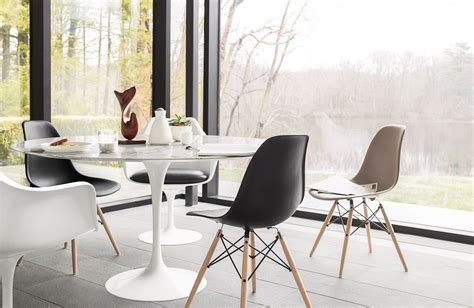 Table Within A Table by Saarinen Dining Table Design Within Reach