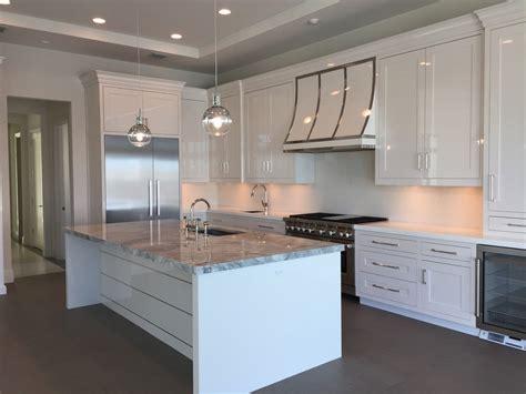 plaque marbre cuisine cuisine plaque de marbre pour cuisine avec clair couleur