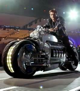 la le la plus puissante du monde la moto la plus rapide du monde le v 233 hicule conceptuel dodge tomahawk atteint des vitesses