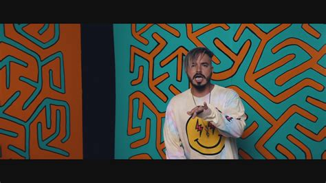 "J Balvin Le Quita La Corona A ""despacito"" En Spotify [video]"