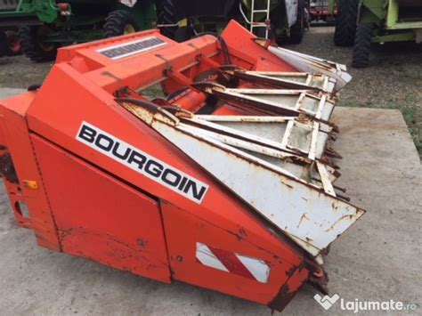 Culegator de porumb BOURGOIN 4 randuri, 4.500 eur ...