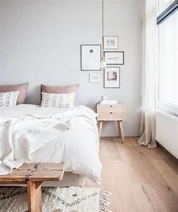 Deco Chambre Bois : id e d co chambre cocooning rose et gris parquet en bois clair linge de lit rose et gris mur ~ Melissatoandfro.com Idées de Décoration