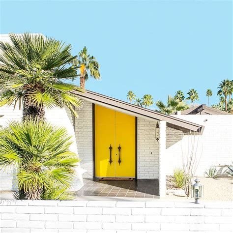 Door Springs Yellow by 86 Best Mid Century Modern Houses Images On