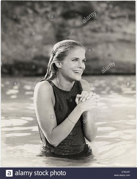 candice bergen the sand pebbles candice bergen on set of the film the sand pebbles