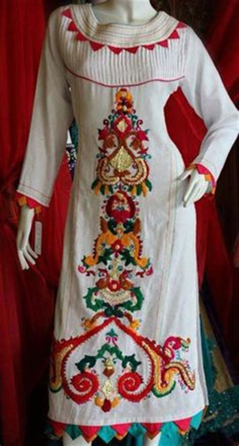 amazing  stylish sindhi embroidery dresses designs