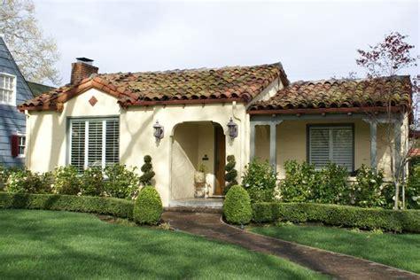 Spanish Cottage Gardens  Bing Images  Kleines Haus