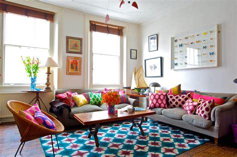 buntes sofa welcher teppich ist das roomido