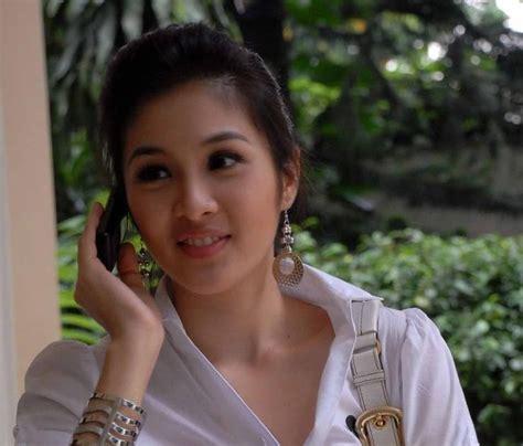 Video 3gp Mesum Memek Bugil Sandra Dewi Ngentot Gaya Nungging