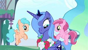 Princess Luna Wearing a Rose Necklace - My Little Pony ...