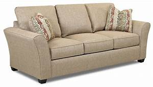 Transitional dreamquest queen sleeper sofa by klaussner for Transitional sectional sofa sleeper