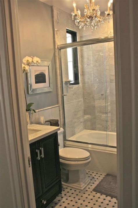 Decorating Ideas For Small Windowless Bathrooms by Best 25 Small Country Bathrooms Ideas On