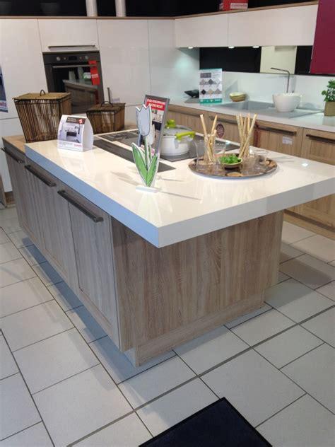 prix d une cuisine cuisinella tabouret de bar cuisinella agrandir une cuisine design